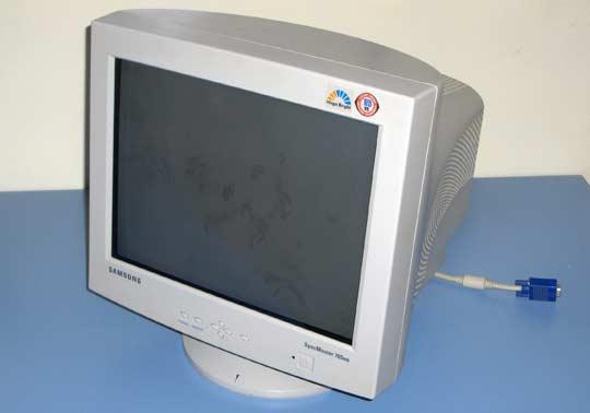 Samsung SyncMaster 765 MB 17